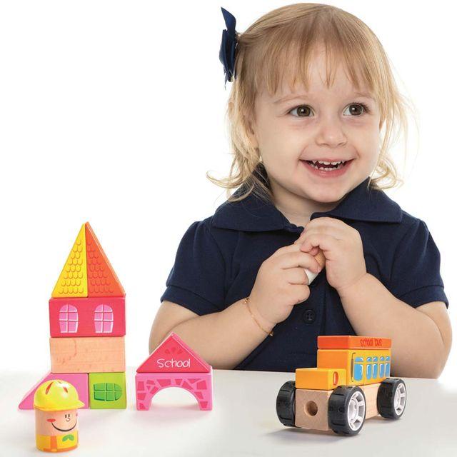Construindo com Bloquinhos Escolinha Estrela Baby com criança Produto Estrela