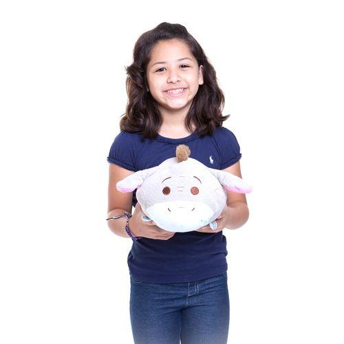 Pelúcia Média Tsum Tsum Bisonho 30 cm com criança Produto Estrela